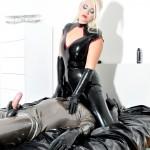 24.03.2016 – FemmeFataleFilms – Mistress Heather – Rubber Reward complete – latex boots, masturbation, rubber