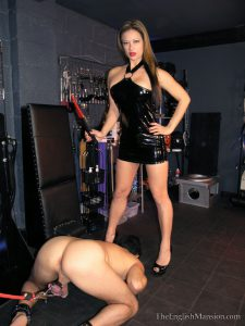 10.03.2016 – TheEnglishMansion – Miss Jasmine – Arse Lick Reward part 1 HD, electric smothering, mistress and slave