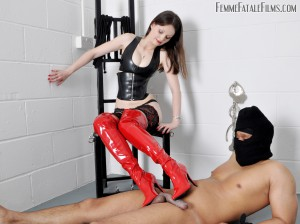 12.03.2016 – FemmeFataleFilms – Mistress Arella – Putting the Boot In complete – thigh boots, trampling