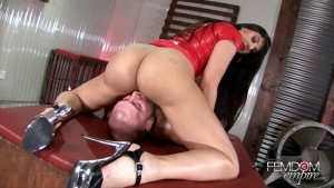 24.03.2016 – Femdomempire – Mercedes Carrera – Less Breathing, More Licking! – Extreme, domination, pain