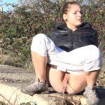 12.03.2016 – G2P – Bright White – public piss, got2pee, outdoor