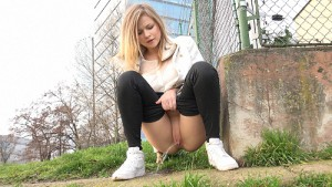 16.03.2016 – Squatting In Trainers – fetish, got2pee, outdoor, pee