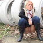 15.03.2016 – Sweet Cat Crouches – extreme, fetish, got2pee, outdoor