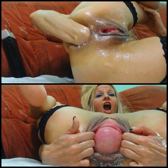 Lisa lipps sucking cock