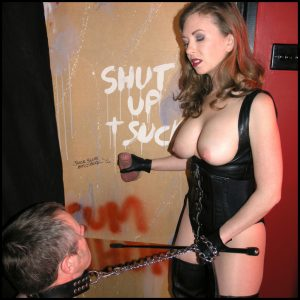 Release 26.04.2016 – TheEnglishMansion – Mistress T – Gloryhole Trainer Part 1-2 – HD, collar and lead, used condom eating, depfile