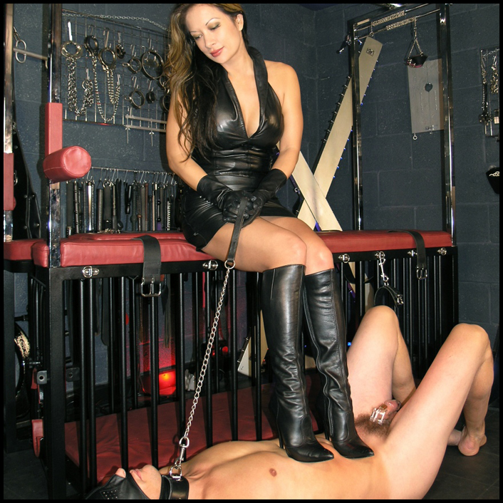 1461419890_chastity-boot-worship