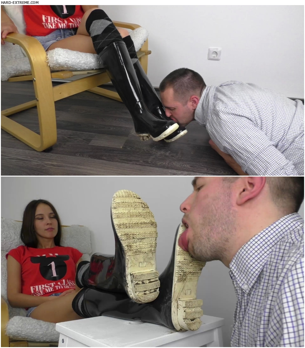 Woman deep throating dick