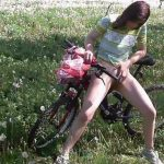 Release 07.05.2016 – Desperate to pee on her bicycle – Full HD-1080p, outdoor, pee, Peeing, depfile