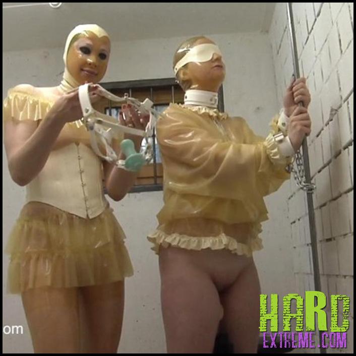 Jail_Cell_Fucking_Machine_Anna_Rose_and_Phoenix-800x450