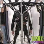 Release 25.06.2016 – Jg Leathers Creature Re Edited (R550) Seriousmalebondage – HD, bondage, E-Stim, gas-mask, JG-Leathers