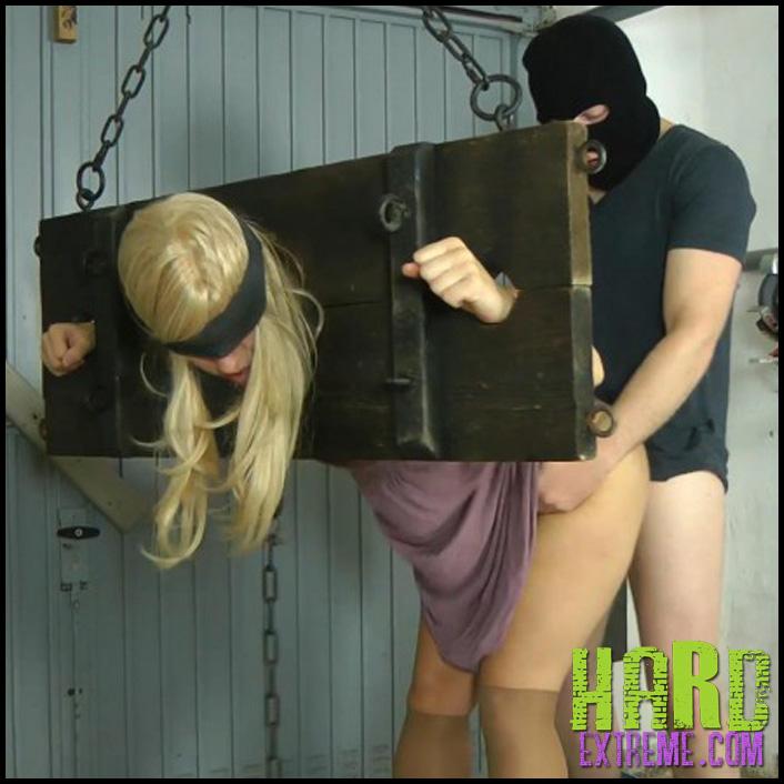Garage_Fuck_Sophie-800x450