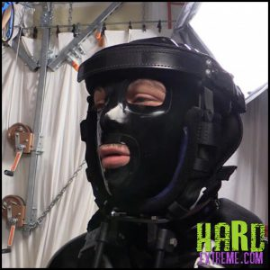 Release 05.07.2016 – Isolation Box Update (R591). Seriousmalebondage – HD, bondage, gas-mask, metal rings, sleepsack