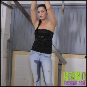 Release 08.07.2016 – Pissing in Jeans. Amateure-Xtreme – Full HD-1080p, humiliation, Jeans, piss, tied, extreme