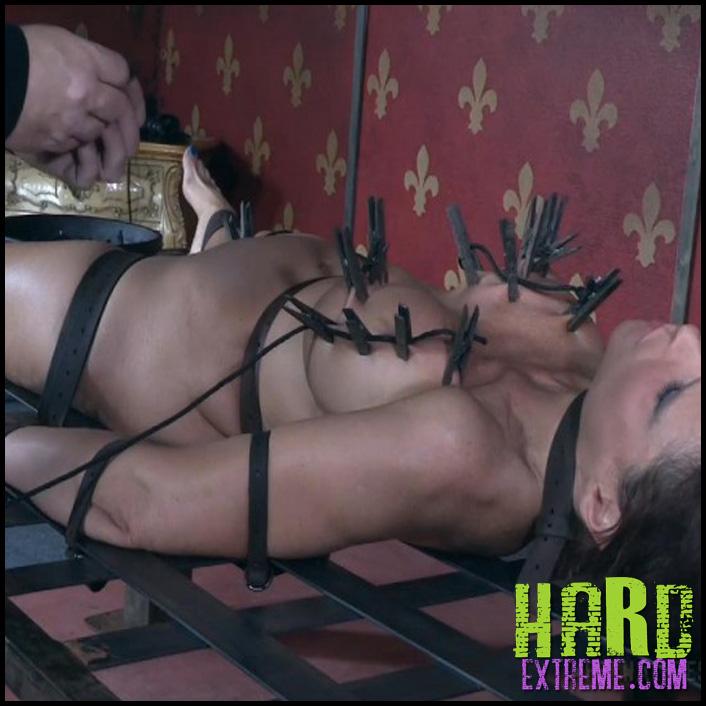 Sexy_Submissive_Squirter_Syren_De_Mer-800x450