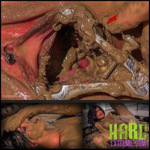 Release 09.08.2016 – Queensnake – Dead sea mud – Full HD-1080p, queensnake.com, Tanita, mud, messy, stuffing, insertion