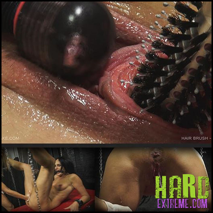 Queensnake - HAIRBRUSH - TANITA - Full HD-1080p, queensnake.com, stuffing, insertion, fisting