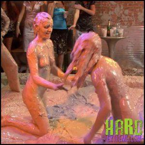 Release September 19, 2016 – Naked and Nasty Mud Wrestlers – Regina, Viki Z AllWam – HD, fetish, messy, WAM, wet