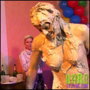 Release September 18, 2016 – Eurobabes Slammed In The Mud – Klarisa, Viki Z AllWam – HD, fetish, messy, WAM, wet, Wrestling