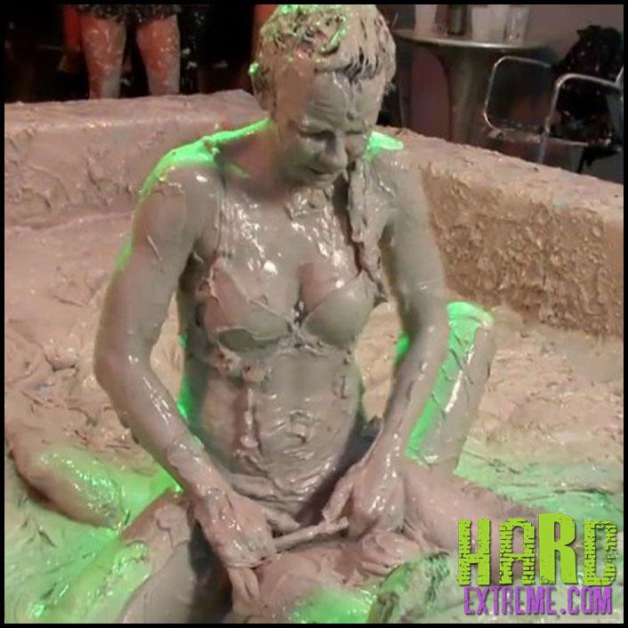 076alw_eurobabes_with_mud_rage-800x450