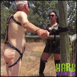 Release September 16, 2016 – Mistress Ezada Sinn – Just because it makes Me wet – Full HD-1080p, LEATHER, OUTDOORS, FEMDOM