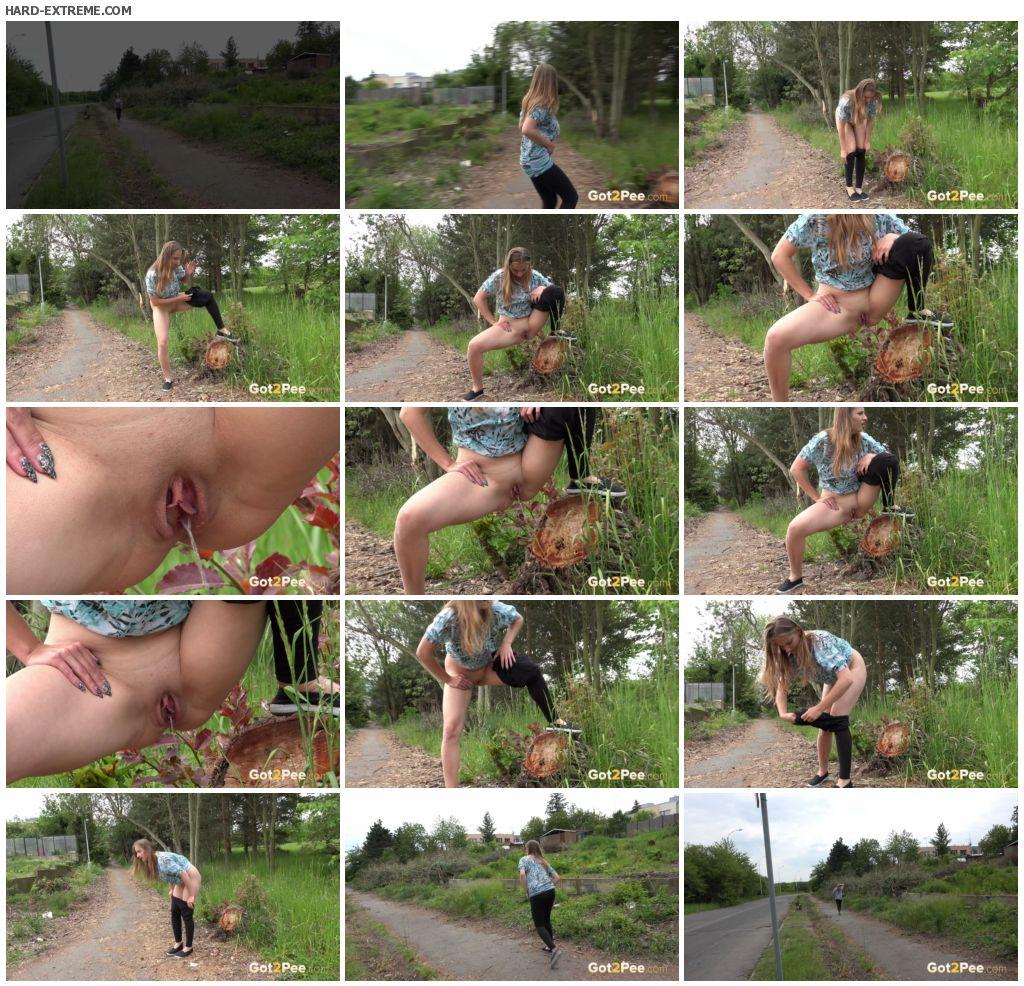 black-leggings-peeing-jogger_thumb