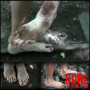 Release October 10, 2016 – Queensnake – Barefoot Trip – HD, foot-fetish, stones, outdoor, dirty