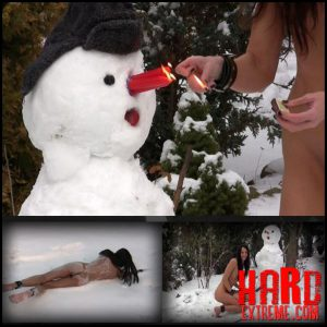 Release October 7, 2016 – Queensnake – Fucking Snowman – Full HD-1080p, snow, dildo, pee, candles, hot-wax, stuffing, insertion