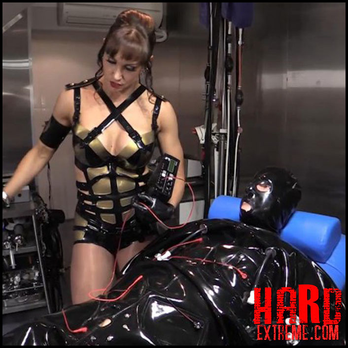 mistress_miranda_and_the_serious_kit_system_r613-800x450