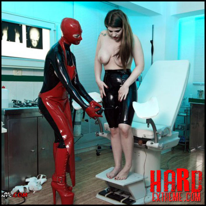 treatment_in_rubber_miss_trixx_and_lucia_love_part_five_clip293-800x450