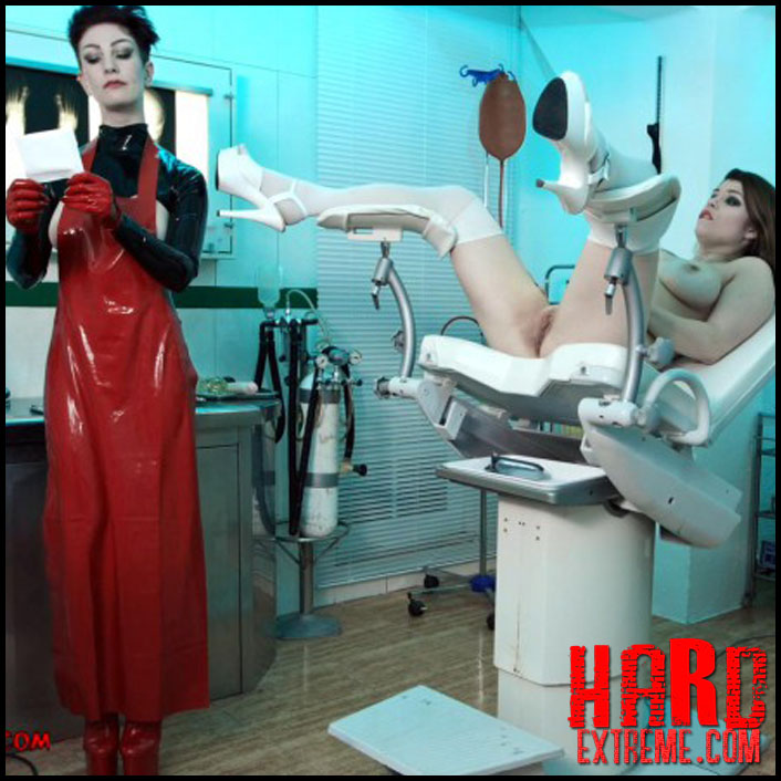 treatment_in_rubber_miss_trixx_and_lucia_love_part_three_clip281-800x450