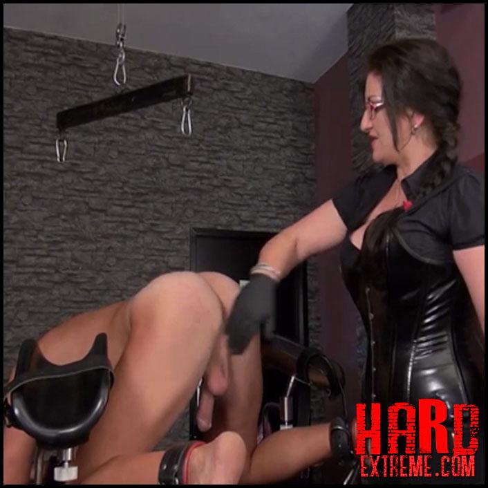 domina-bizarre-i-cant-help-it-1-christina-marie-von-riehmenstahl-1280x720_1