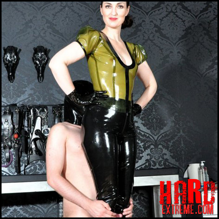 femmefatalefilms-lady-victoria-valente-latex-to-love-part-1_1