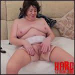 Playing in the Lounge – Full HD-1080p,  pee, Peeing, piss, solo, urine, wet (Release December 02, 2016)
