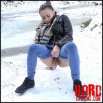 Got2Pee – Snowy Scarf – Full HD-1080p, outdoor, pee, Peeing, piss (Release February 15, 2017)