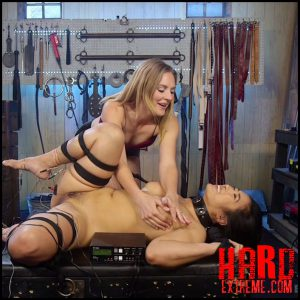 Mona Wales Breaks in Electro-Pet Mia Li – HD, fisting bdsm, depfile fisting (Release February 10, 2017)