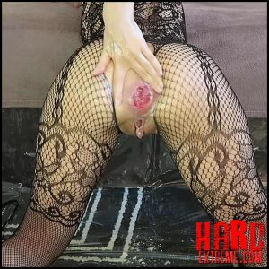 Mylene – Messy oily fisting Pee Prolapse – Full HD-1080p, fisting, fisting video (Release February 15, 2017)