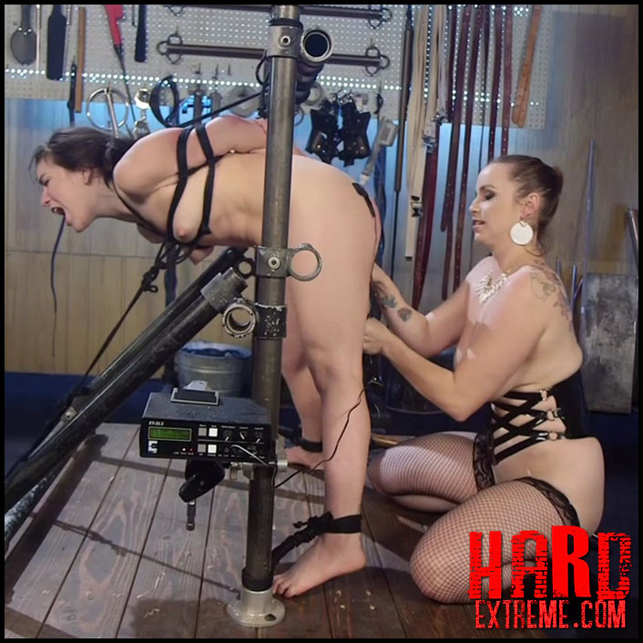 Electrosluts  Scared Tough Electroslut Comes Hard On -1099
