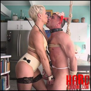 Fistertwister lucia denvile takes control as she fistfucks 4