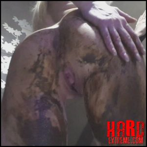 thefartbabes – Shit messy ass play – Full HD-1080p, poop videos, pooping girls (Release April 26, 2017)