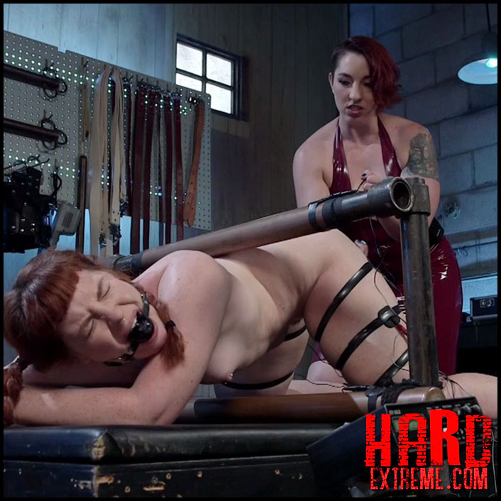 Girls making out nake