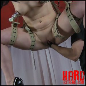 Hanging fisted on the ceiling with realesfetishpaar – Full HD-1080p, extreme fisting, fetish bdsm (Release May 16, 2017)