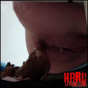 PooAlina – Alina eats strawberries and pooping in mouth toilet slave – Full HD-1080p, human toilet, shitting (Release May 16, 2017)