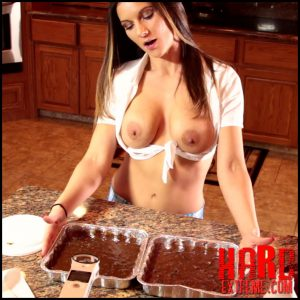 MandyFlores – France Brownies – Full HD-1080p, shitting ass, scat girls (Release June 26, 2017)