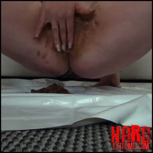 Annissa-Yara – Come and lick the caviar from my cunt – Full HD-1080p, kaviar scat, pooping girls (Release August 1, 2017)