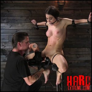 DeviceBondage – Petite Slut Serena Blair Punished and Made to Cum in Metal Bondage – HD-720p, The Pope, Drool, Handler, master (Release October 08, 2017)