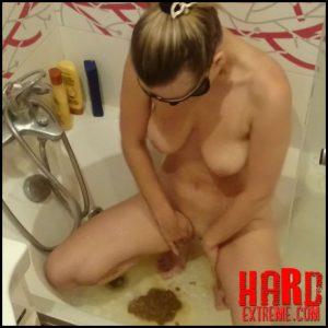 I use shit like shaving ge – Full HD-1080p, shitting girls, shitting ass (Release October 22, 2017)