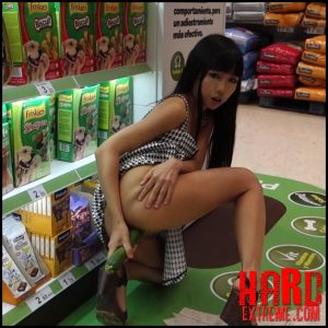 LittleSubGirl – Fucks Cucumber and Squirts in Supermarket – Full HD-1080p, flashing, exhibitionist, public masturbation (Release November 16, 2017)