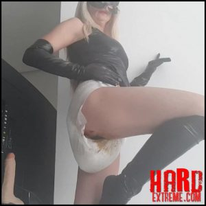 Thefartbabes – Diaper Latex Goddess part 1 – Full HD-1080p, scat solo, scat defecation, scatology (Release March 09, 2018)