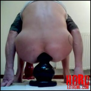 Dirty mature homemade fully sits on monster black butplug – Full HD-1080p, anal insertion, anal stretching, BBC dildo (Release May 29, 2018)