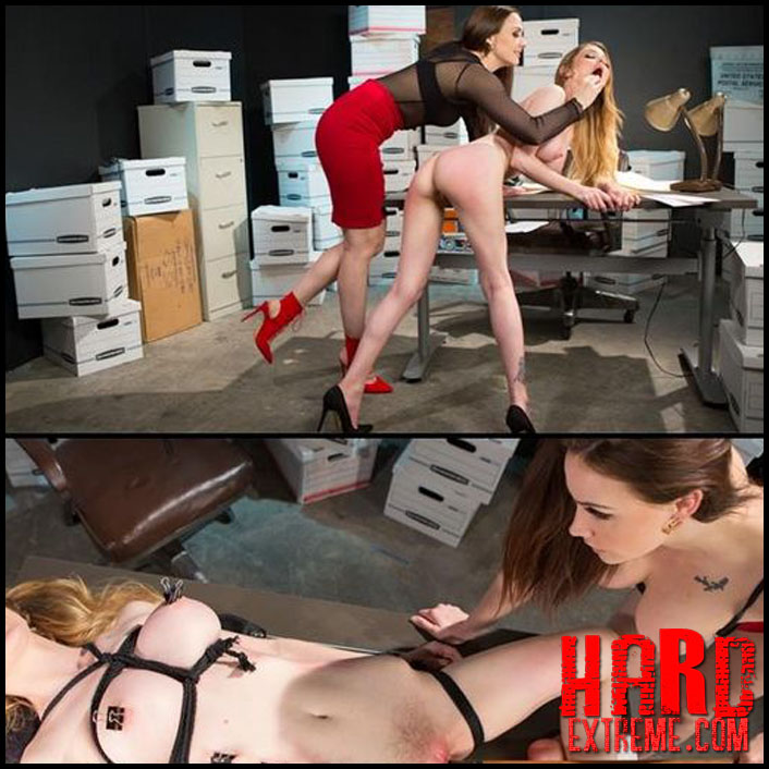 Hot family cuchold threesome